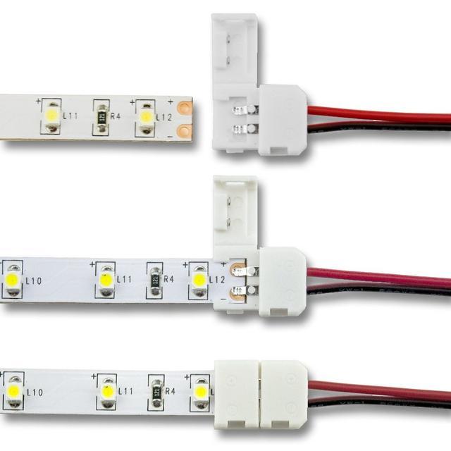 На фото показано соединение светодиодной ЛЕД LED-ленты с помощью коннектора