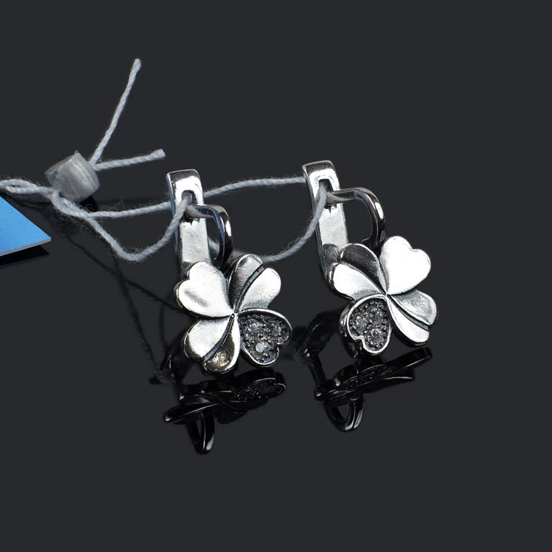 Серебряные женские серьги в форме клевера