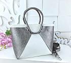 Женская сумка в цвете белый+графит с переливом, из искусственной кожи (под бренд), фото 4