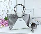 Женская сумка в цвете белый+графит с переливом, из искусственной кожи (под бренд), фото 6