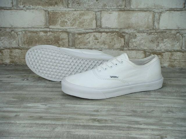 Кеды Vans Authentic Triple White фото