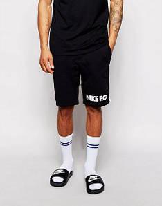 Спортивні чоловічі шорти Nike
