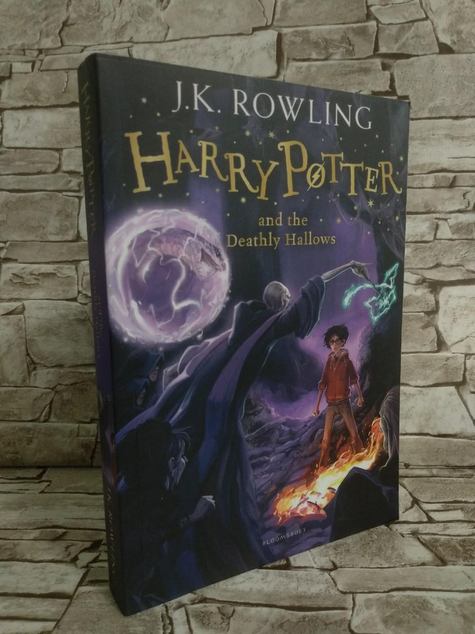 Книга Harry Potter and the Deathly Hallows, Гарри Поттер и Дары Смерти, на английском языке