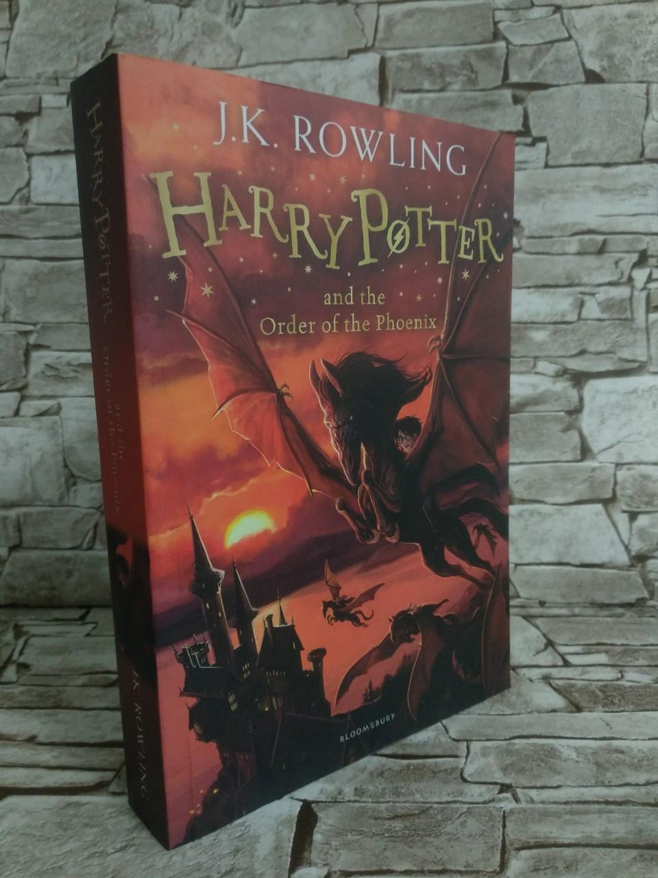 Книга Harry Potter and the Order of the Phoenix, Гаррі Поттер і Орден Фенікса, англійською мовою