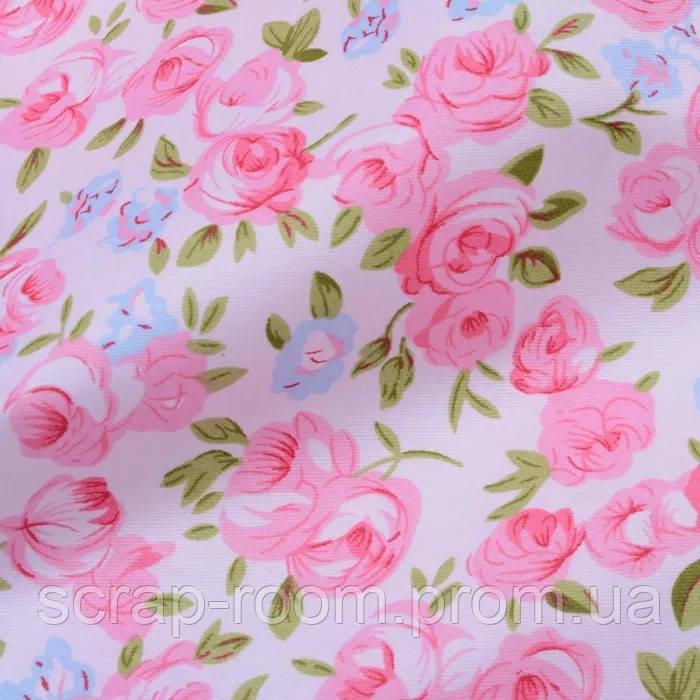 Ткань хлопок 100% цветы розовые и голубые на белом фоне Корея отрез 40 на 50 см