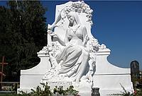 Скульптура на кладбище С-156