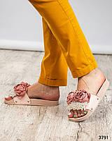 Шлепки женские с цветами пудра, фото 1
