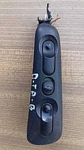 Кнопка стеклоподъемника Opel Omega B