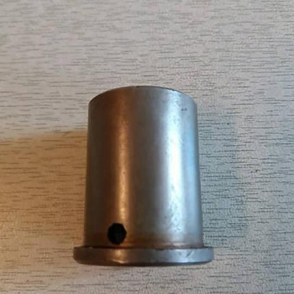 Втулка корпуса коробки (под оси) КПП мототрактора 12-15 лс, фото 2