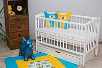 Кроватка для новорожденного Веселка белого цвета с ящиком и маятником