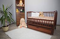 Кроватка для новорожденного Веселка цвета Орех с ящиком и маятником