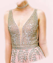 Авторское платье, расшитое камнями, цвет пудра, размер 42/44, на выпускной или торжество