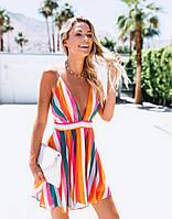 Летнее разноцветное женское платье с открытой спиной