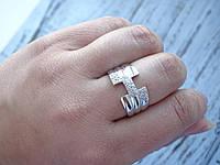 Серебряное кольцо с белым камнем 19 размер