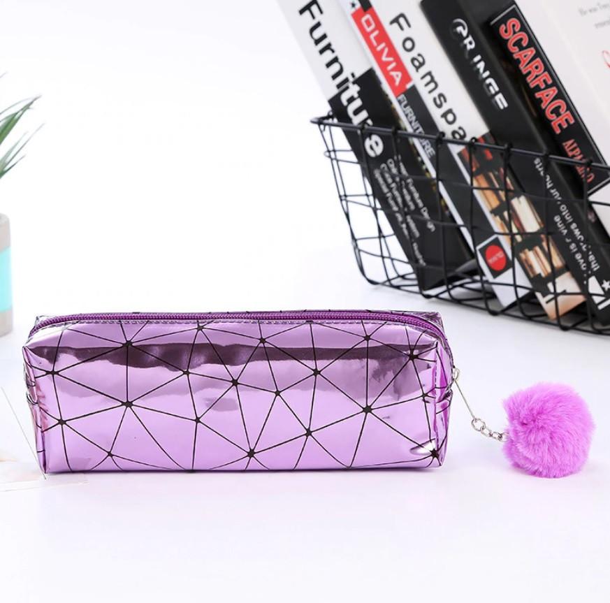 Косметичка-пенал с меховым брелоком Фиолетовая