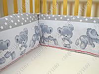 Бортики в детскую кроватку защита бампер Мишка подушка серый