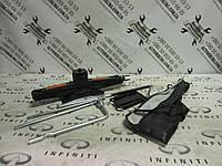 Домкрат и ключ замены колеса Infiniti Qx56 / Qx80 - Z62 (99550-1LA0A), фото 1
