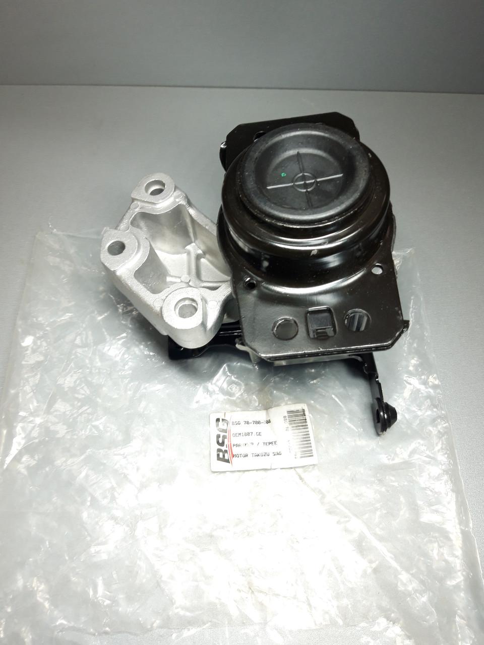 Подушка двигателя (гидравлический)