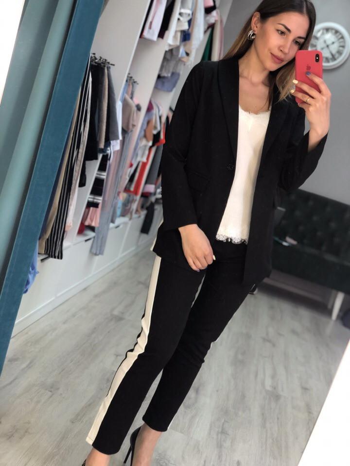 Женский костюм брюки и пиджак