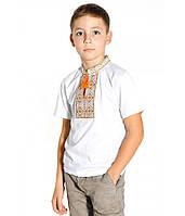 Футболка вишита хрестиком на хлопчика, білого кольору з салатово-оранжевою вишивкою