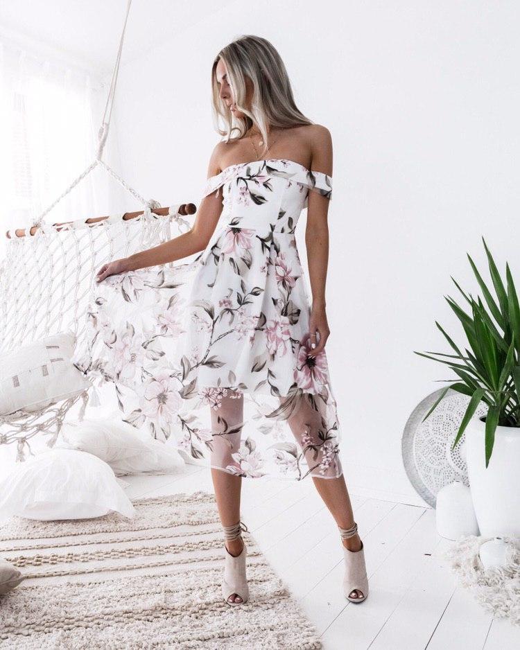 Женское фатиновое платье с цветочным принтом