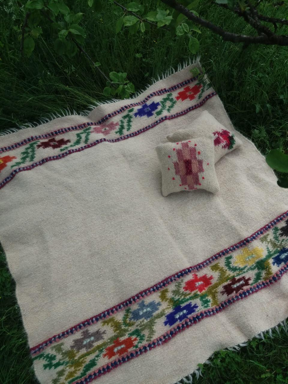 Набір ліжник + 2 подушки з овечої шерсті