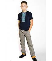Футболка вишита хрестиком на хлопчика, темно-синього кольору з синьо-голубою вишивкою