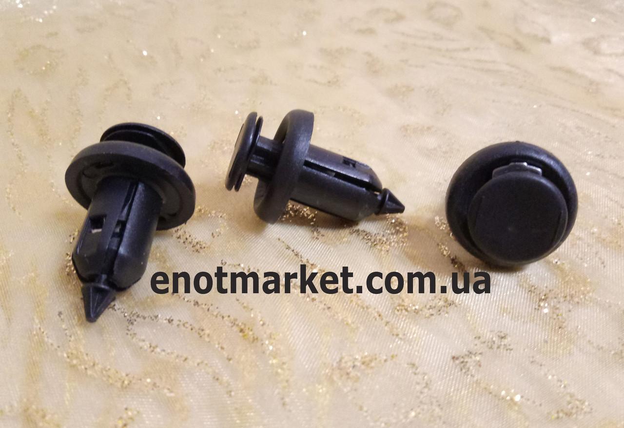 Крепление бампера с металлическими фиксаторами много моделей Honda. ОЕМ: 91506S9А003, 0155309241, 01553-09241