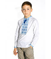 Сорочка на хлопчика, білого кольору з синьою-голубою вишивкою