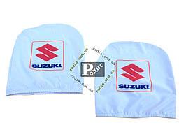 Чехол подголовника с логотипом Suzuki белый (2 шт.)