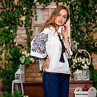 Шикарная женская вышиванка с красивым орнаментом белая