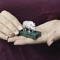 Покрытая серебром статуэтка Кабан на мраморной подставке 000096776