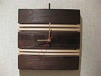 Часы из дерева квадратные