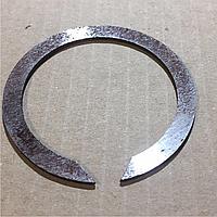Кольцо стопорное полуоси МАЗ 400452