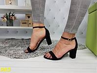 Босоножки на невысоком каблуке классика с тонкой лямочкой черные, фото 1