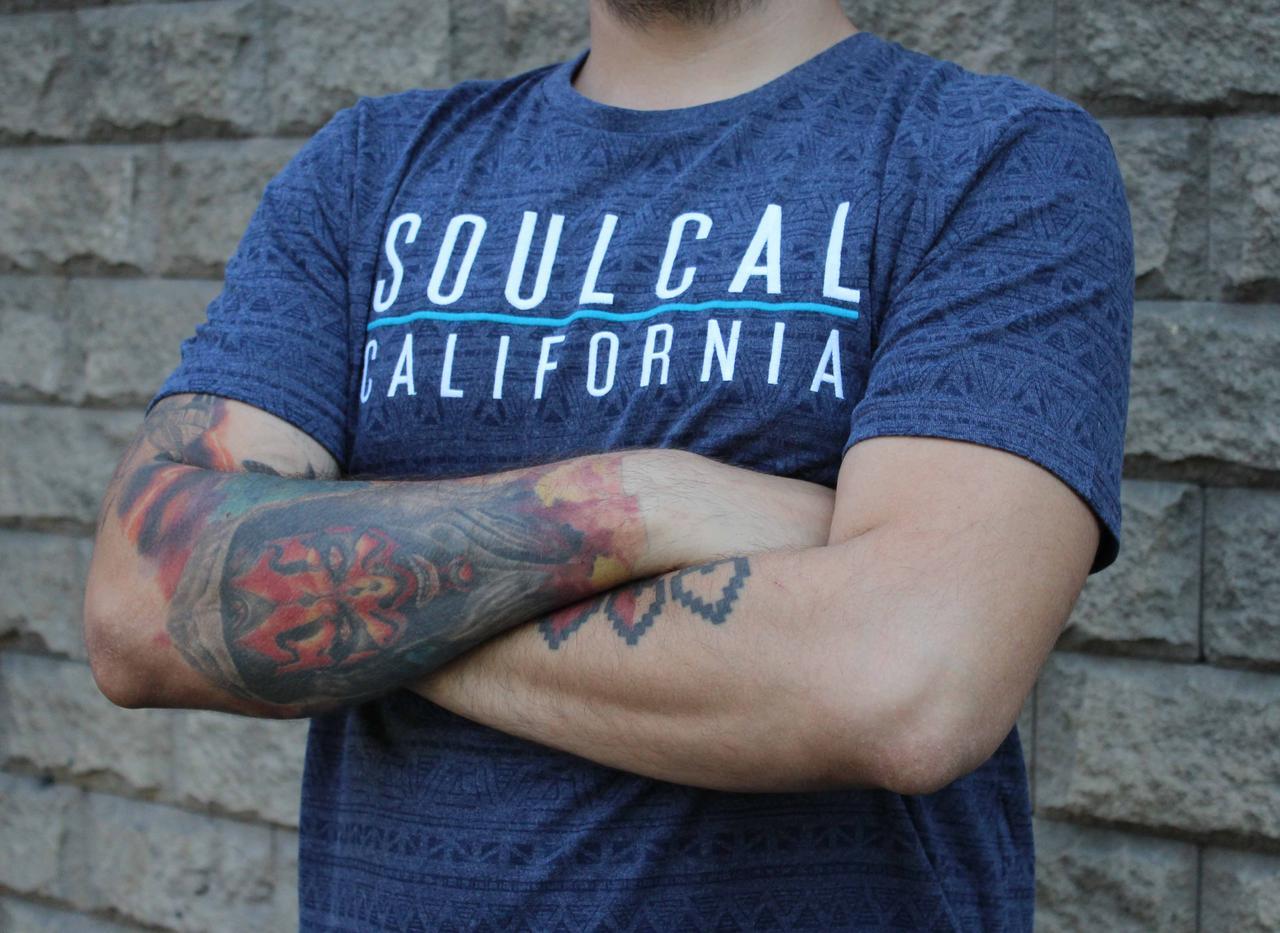 Молодежная темно синяя футболка SoulCal AOP со стильным принтом aztec оригинал
