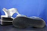 Сріблясті шкіряні жіночі босоніжки на танкетці Fabio Gutti, фото 3