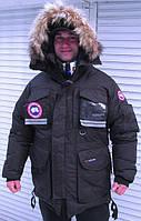 Куртка-пуховик Canada Goose мужская с меховой окантовкой на капюшоне