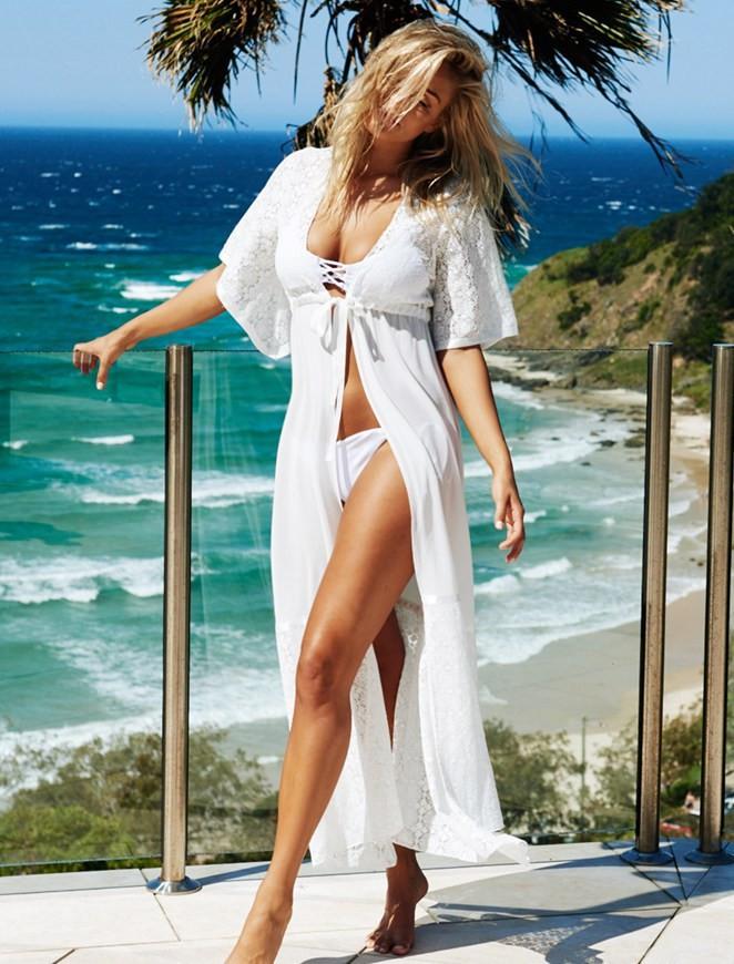 Женская пляжная длинна белая на пояске