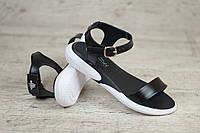 Летние сандалии. Выразите сезонные эмоции стильной лёгкой обувью