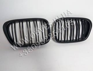 Решетка радиатора (ноздри) BMW 5-series E39 (двойные ламели, черный мат)