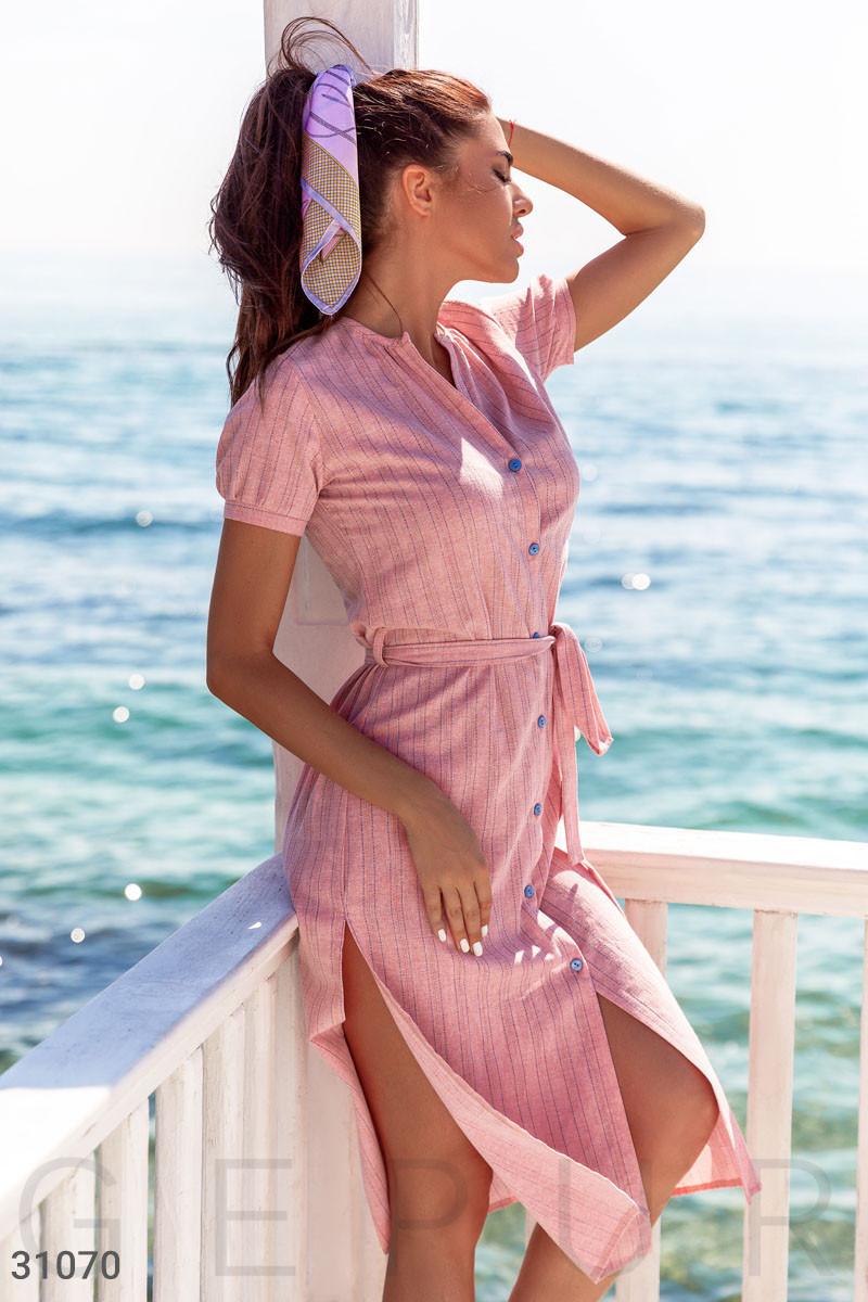 Легкое платье-рубашка длины миди розовое