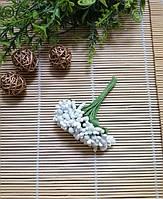 Букет сахарные тычинки с листиками белый