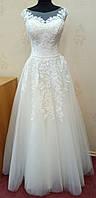 69.3 Кремовое свадебное платье с кружевом и нежной фатиновой юбкой,  размер 48
