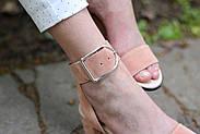 Женские босоножки Atomio Lardini из натуральной замши на каблуке пудра, фото 2