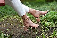 Женские босоножки Atomio Lardini из натуральной замши на каблуке пудра, фото 8