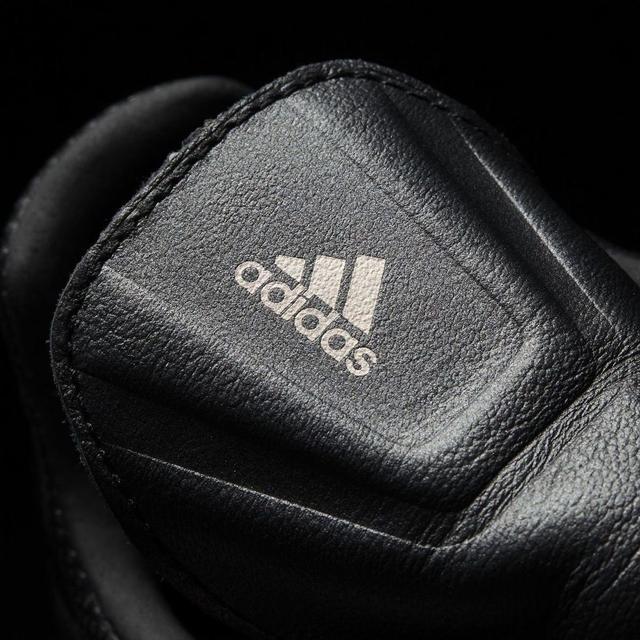 detskie-futbolnye-butsy-adidas-002209s8573