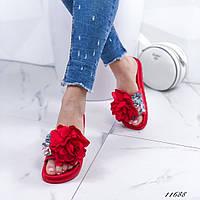 Женские шлепанцы с цветами красные 11668