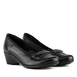 Туфли женские KOSTEX (кожаные, черного цвета, на удобной танкетке)