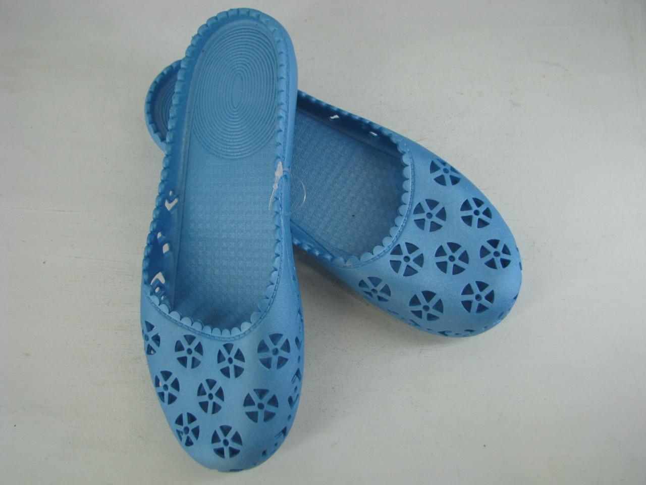 Шльопанці жіночі блакитні 36,37